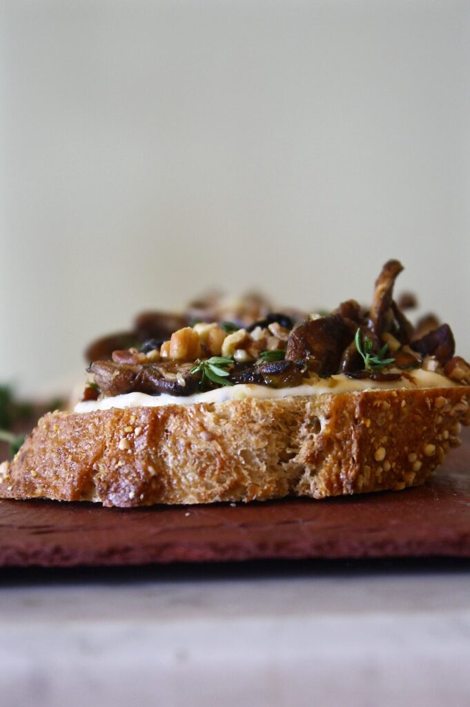 Shiitake & Thyme Crostini with Apricot Goat Cheese | Zestful Kitchen